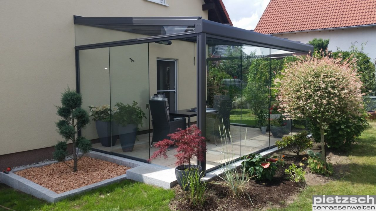 Terrassenüberdachung, Sommergarten, Wintergarten, Kaltwintergarten, Glasdach, Schiebeverglasung, Glasschiebewand
