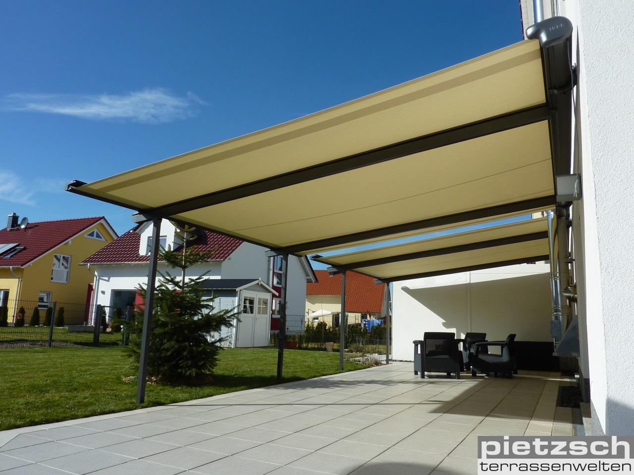 Die Pergola- Markise, PERGOLINO, bietet nicht nur zuverlässigen Sonnenschutz sondern ab 6° Neigung auch einen soliden Wetterschutz. Mit dieser Pergola- Marise können Sie auf 42 m² die Schattenseiten des Lebens genießen.
