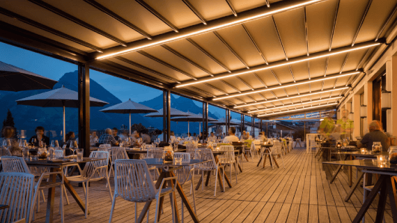 Gastromarkise Rivera P5000 mit LED-Beleuchtung von Klaiber Leipzig Pietzsch Terrassenwelten