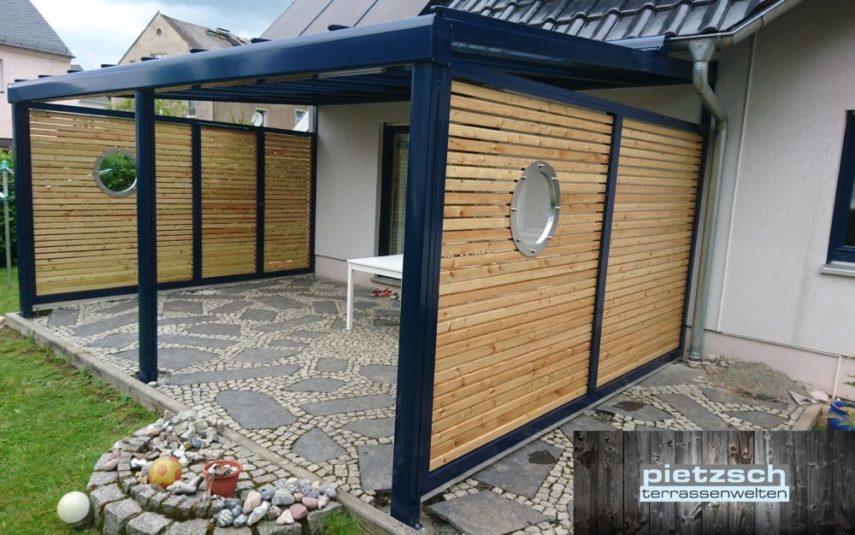 Terrassenüberdachung mit Sichtschutz